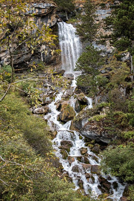 Cascades près de Chebisa. Bhoutan