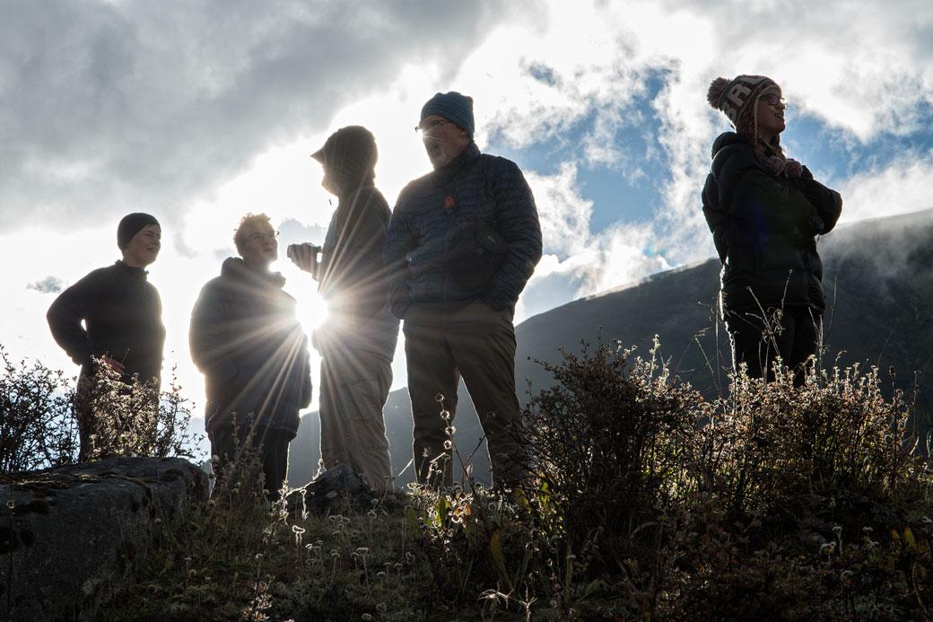Trekkeurs en fin de journée à Robluthang, Bhoutan