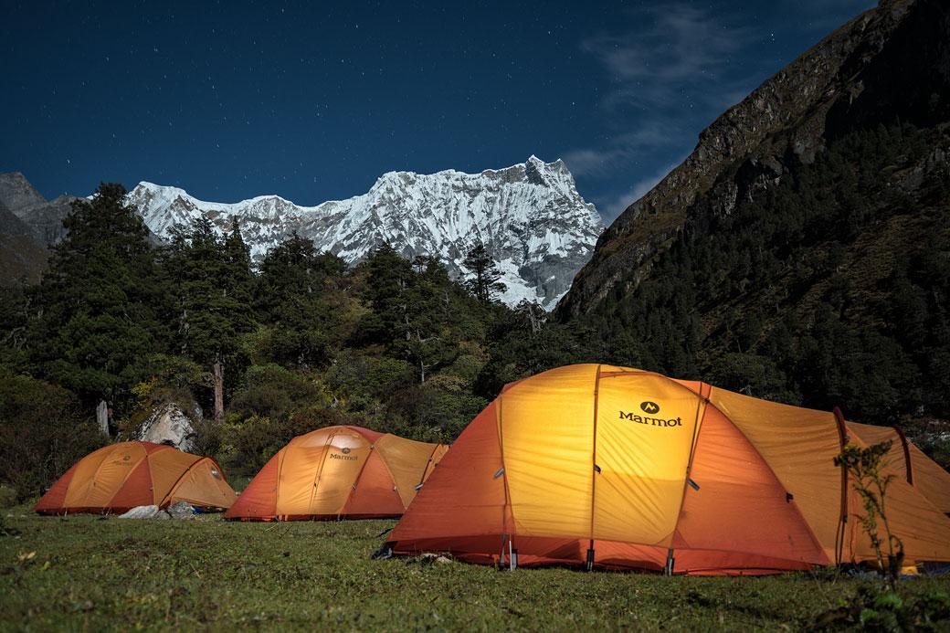 Camp de Lemithang au pied du Gangchhenta, Bhoutan