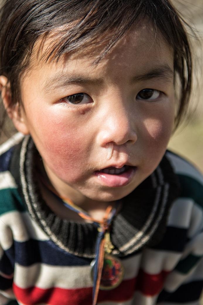 Portrait d'une petite fille de Laya, Bhoutan