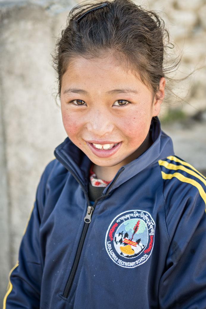 Portrait d'une écolière de Laya, Bhoutan