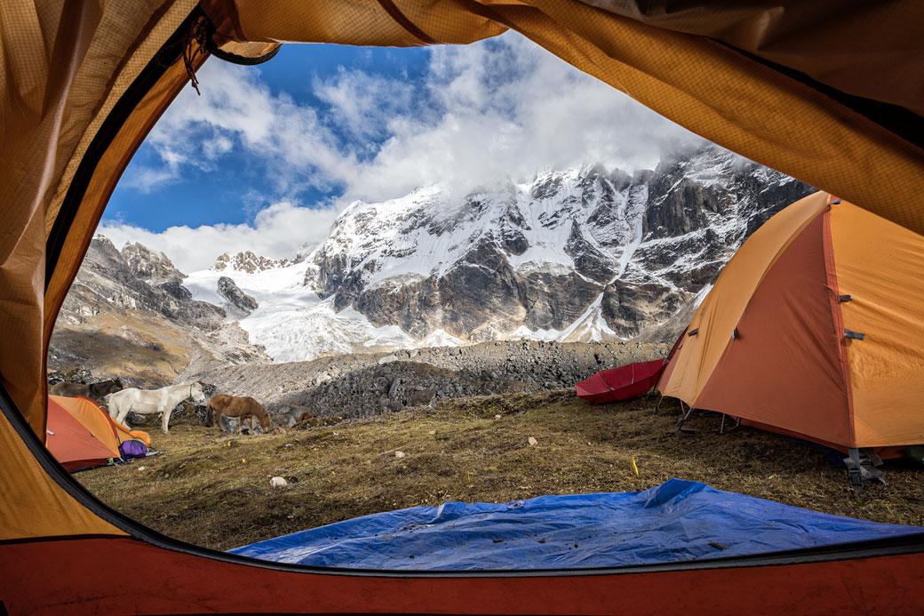 Vue sur les glaciers depuis ma tente à Narethang, Bhoutan