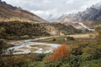 Montagnes et vallée dans la région reculée de Lunana, Bhoutan