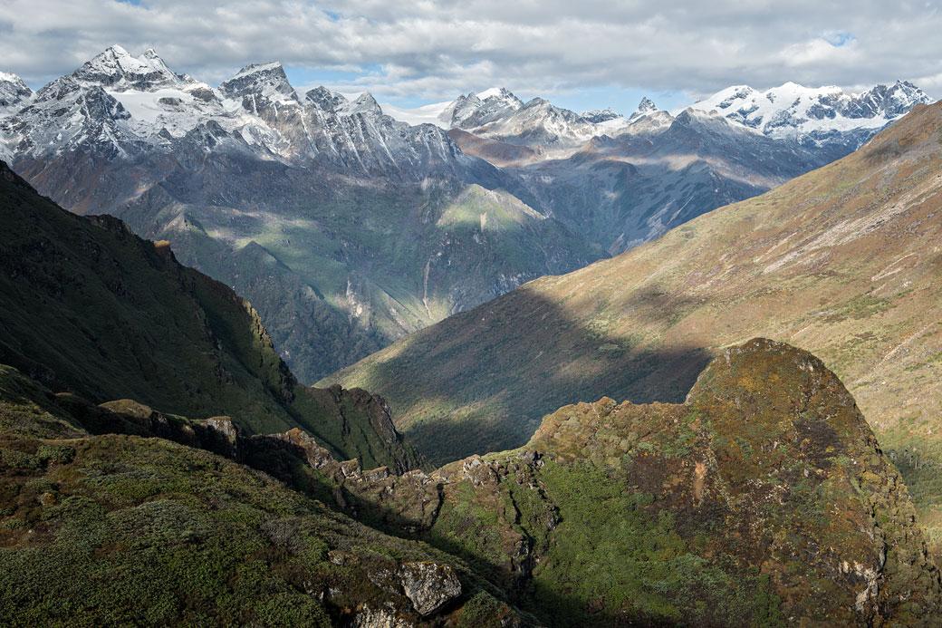 Montagnes entre Woche et le col de Keche La, Bhoutan