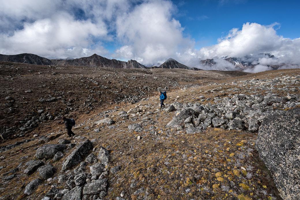 Trekkeurs en route pour Jichu Dramo, Bhoutan