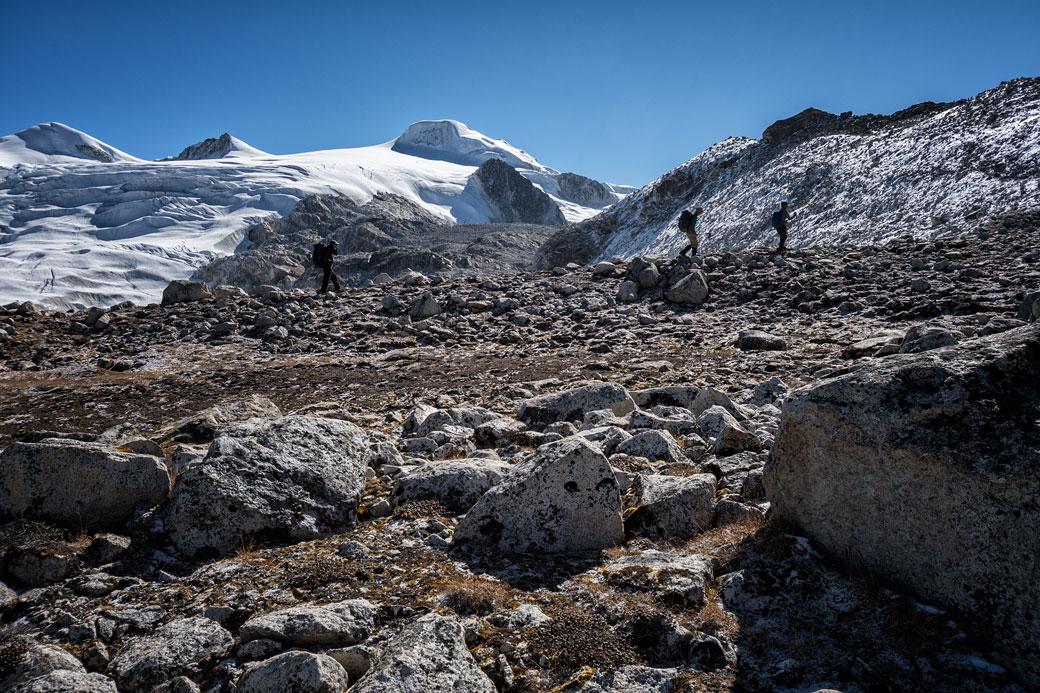 Trekkeurs en route pour le col de Rinchen Zoe La, Bhoutan