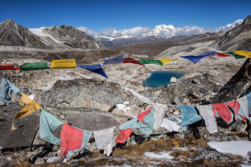 Drapeaux de prières au col de Rinchen Zoe La, Bhoutan