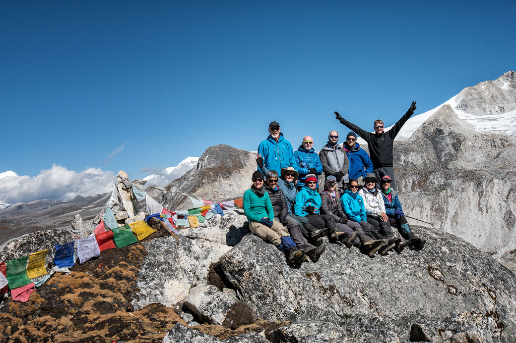 Groupe de trekkeurs au col de Rinchen Zoe La, Bhoutan