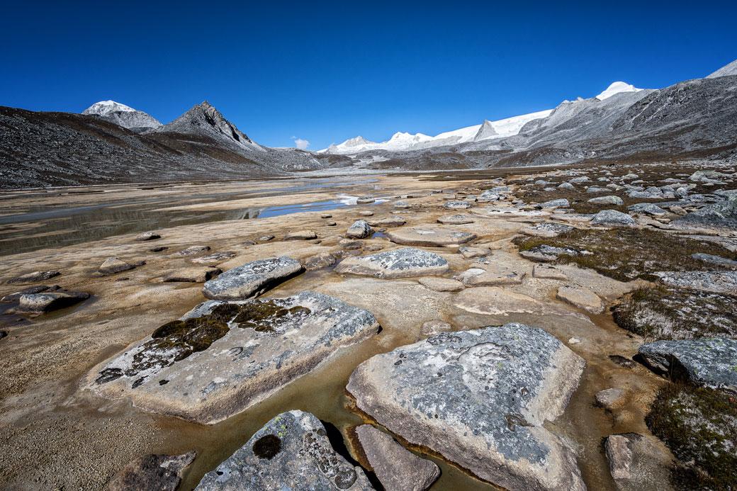 Paysage grandiose entre Rinchen Zoe La et Chukarpo, Bhoutan