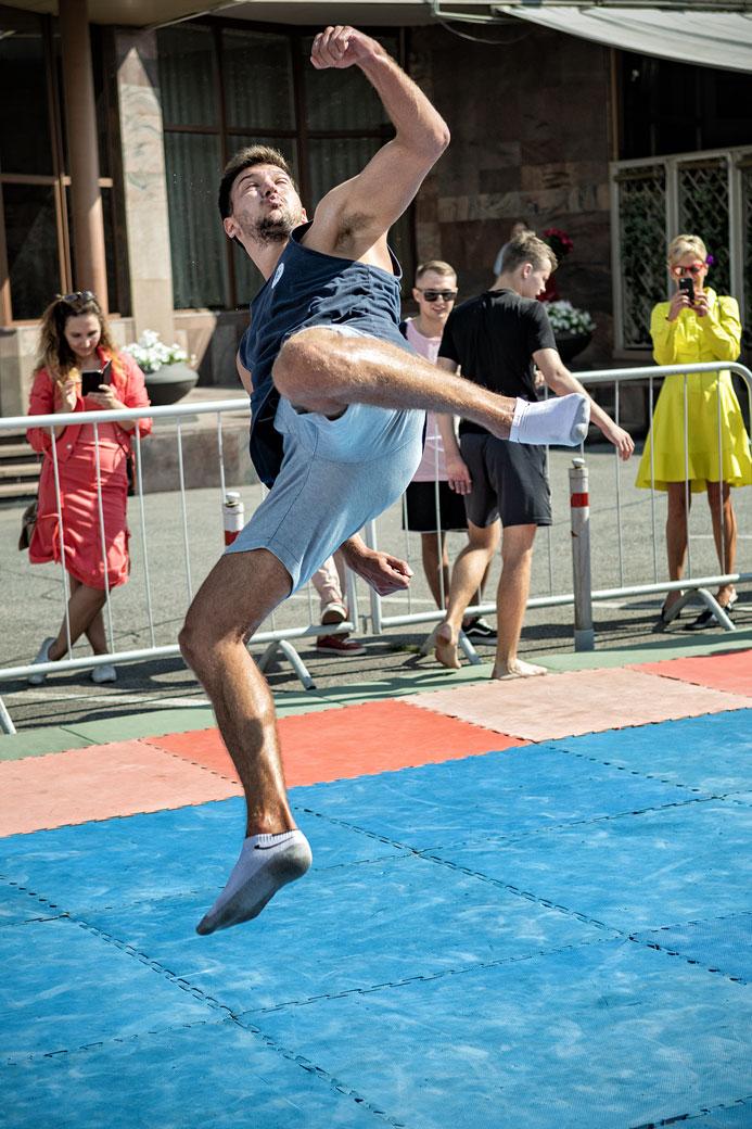 Démonstration de gymnastique au sol à Krasnoyarsk, Russie