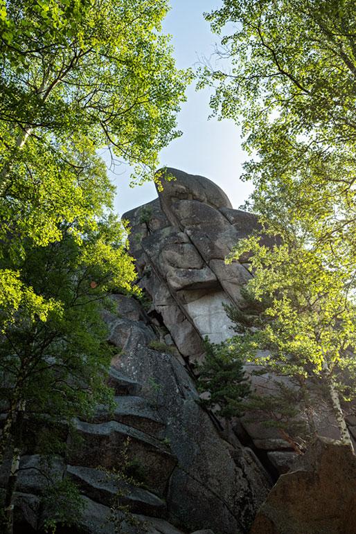 Premier pilier de la réserve naturelle de Stolby, Russie