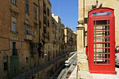 Cabine téléphonique rouge à La Valette, Malte