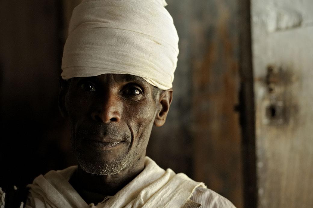 Portrait d'un prêtre de l'église Narga Sélassié, Ethiopie