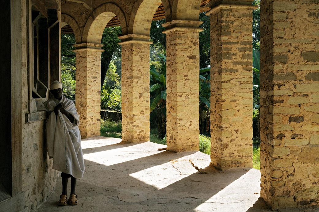 Piliers de l'église circulaire de Narga Sélassié, Ethiopie
