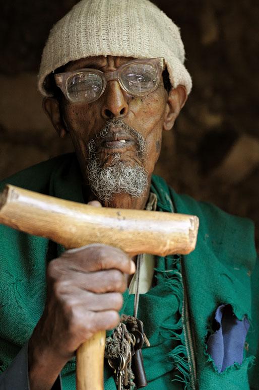 Vieux gardien d'un petit musée, Ethiopie