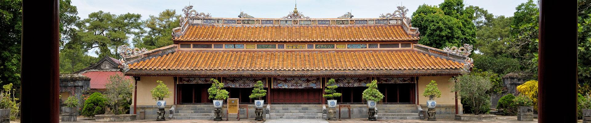 Top image tombeau impériale de Minh Mang, Vietnam