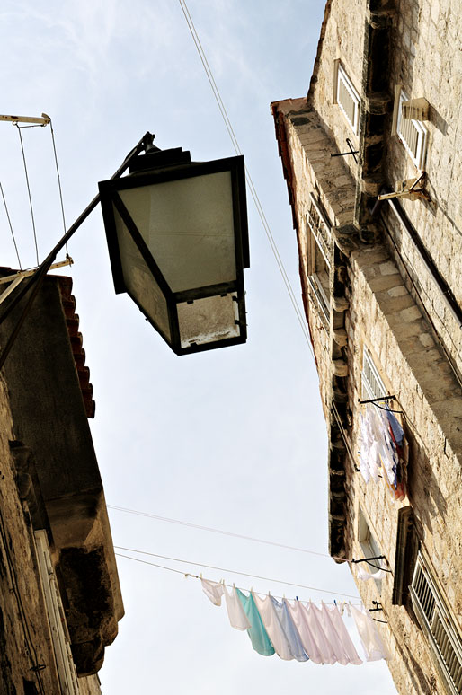 Lampadaire et linge à Dubrovnik, Croatie