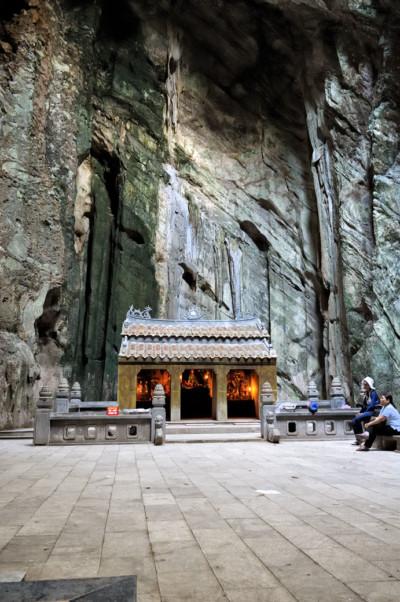 Grotte et temple aux Montagnes de Marbres près de Da Nang, Vietnam