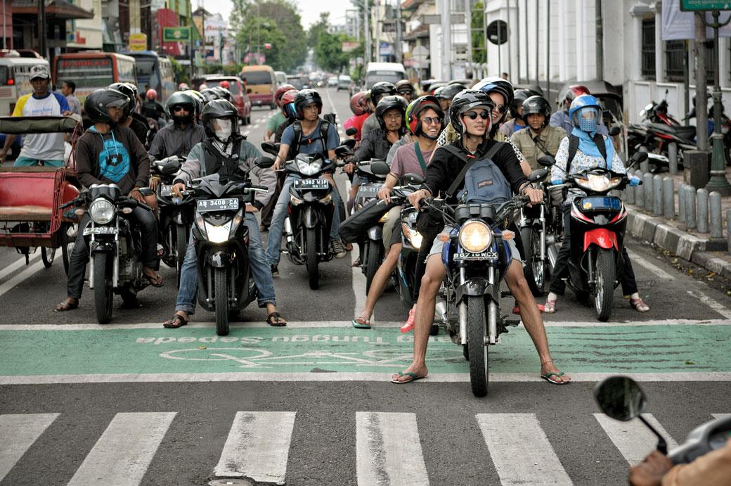 Scooters et motos à Yogyakarta, Indonésie