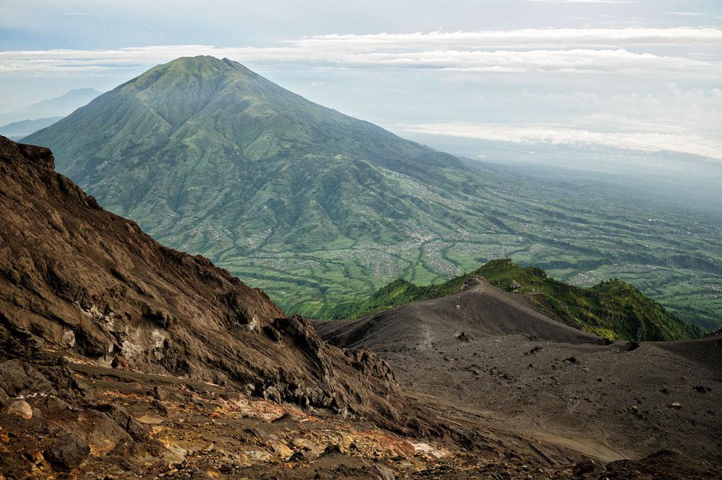 Volcan Merbabu sur l'île de Java, Indonésie