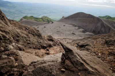 Cendres volcaniques près du sommet du Merapi, Indonésie