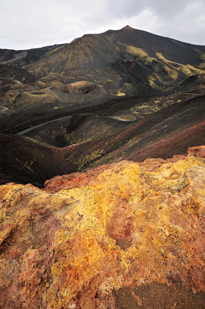 Cratères latéraux sur le Mont Etna en Sicile