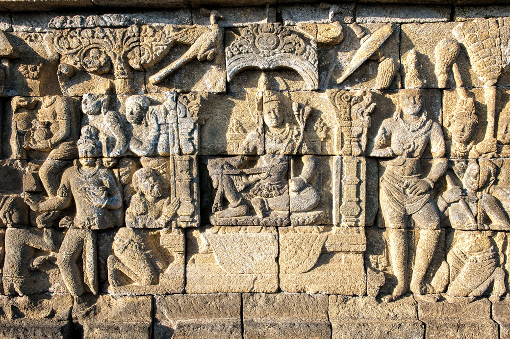 Bas-reliefs dans la pierre de Borobudur, Indonésie
