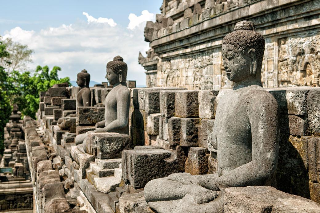 Statues de bouddhas du Temple de Borobudur, Indonésie