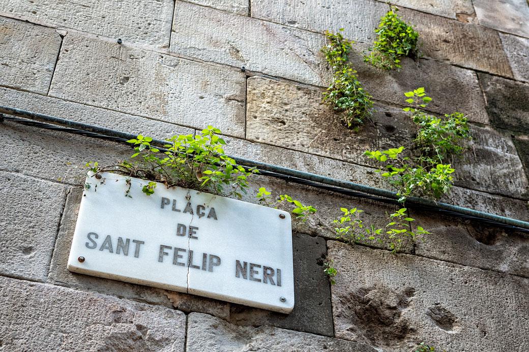 Mur et plaque de la place Sant Felip Neri à Barcelone