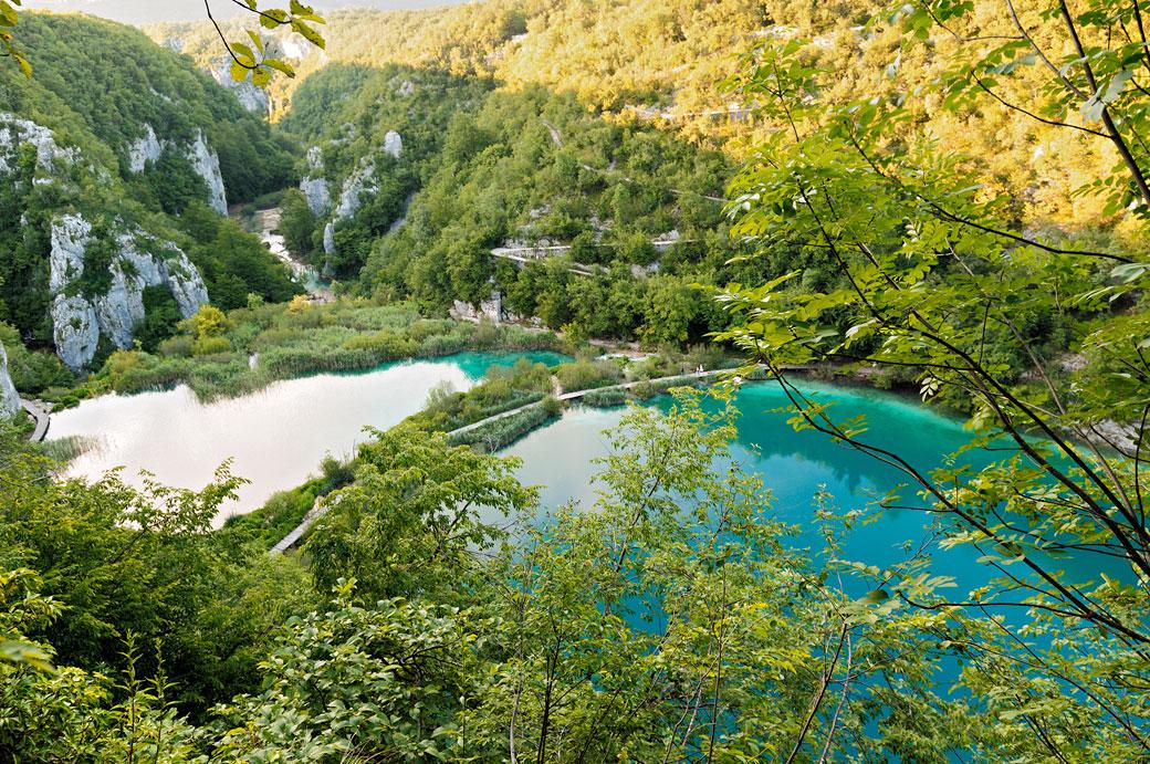 Vallée et lacs inférieurs du parc national de Plitvice, Croatie