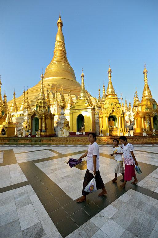 La belle pagode Shwedagon de Yangon. Birmanie