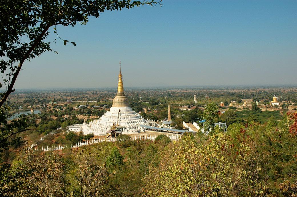 Pagode de Aung Setkya près de Monywa, Birmanie