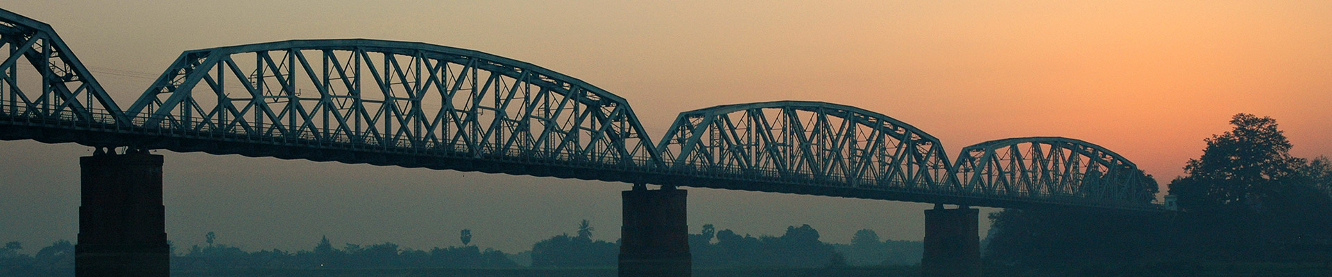 Top image pont sur l'Irrawaddy