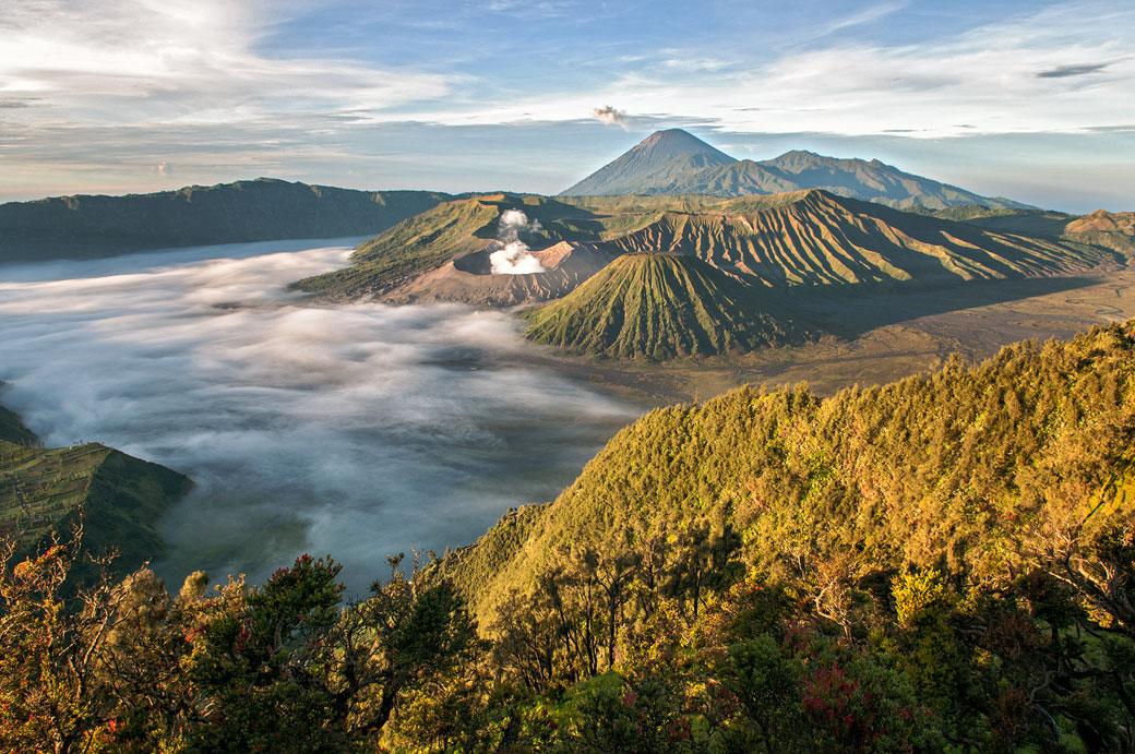 Lever de soleil au Parc national de Bromo-Tengger-Semeru, Indonésie