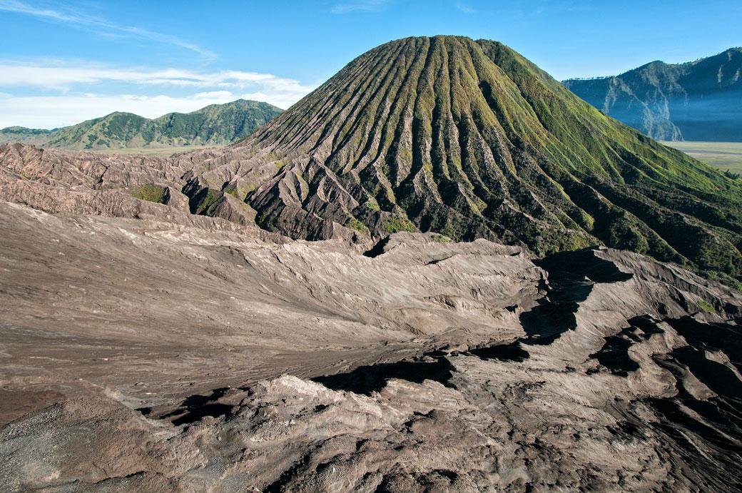 Mont Batok depuis le sommet du Bromo, Indonésie