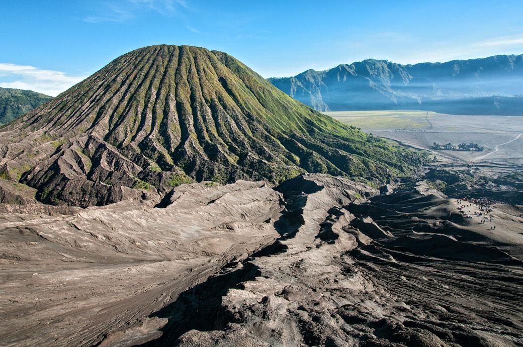 Le splendide volcan Batok depuis le Bromo, Indonésie
