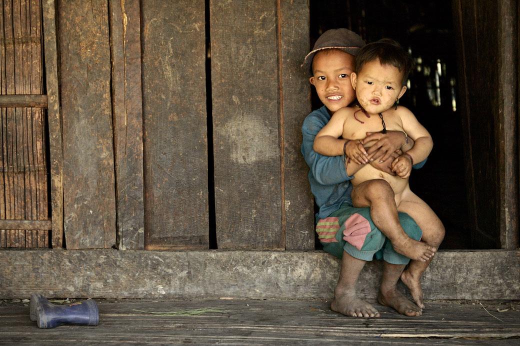 Enfants Loi sur le pas de la porte, Birmanie