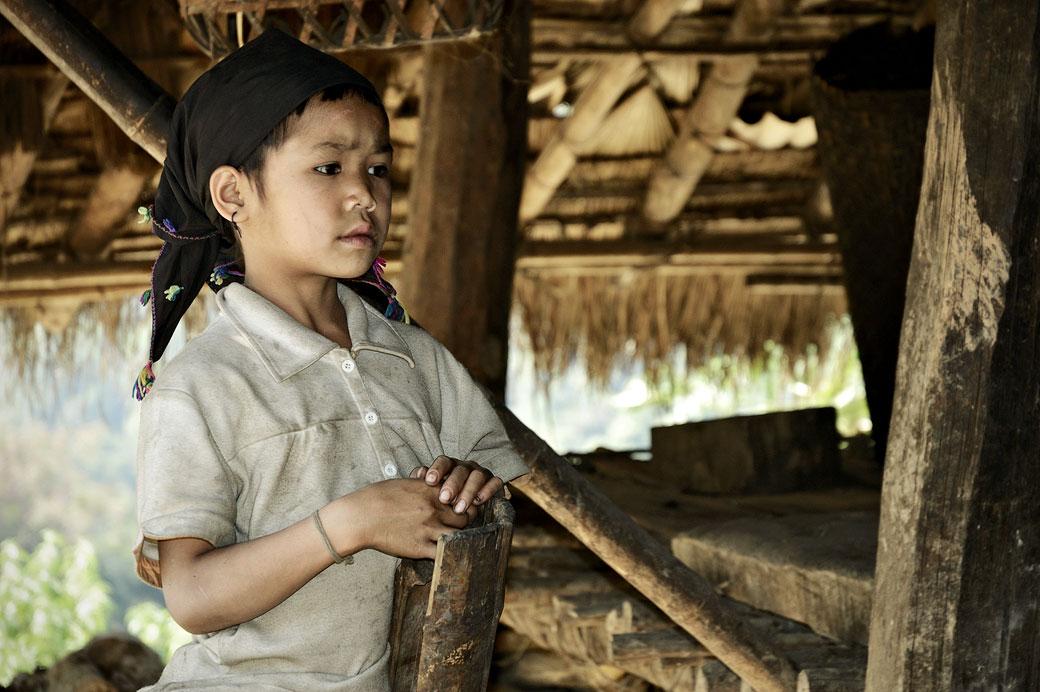 Fillette de la tribu Loi à Wun Nyat, Birmanie