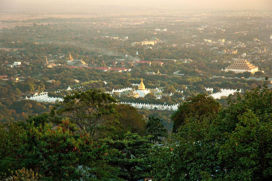 La pagode Kuthodaw à Mandalay, Birmanie