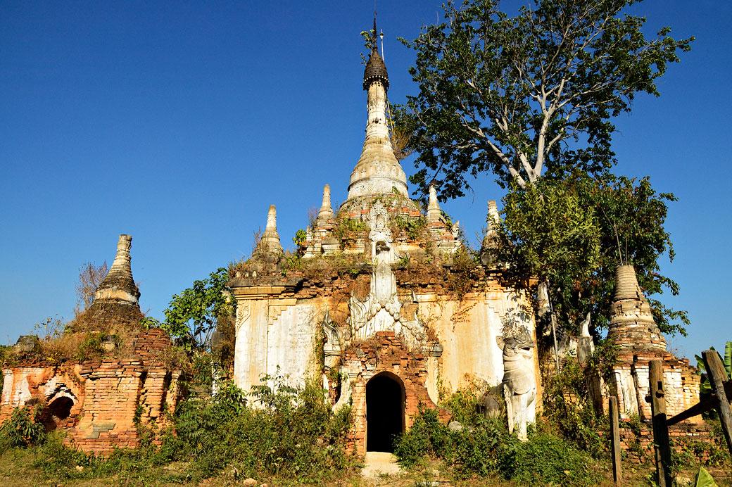 Vieille pagode oubliée à Sagar au sud du lac Inle, Birmanie