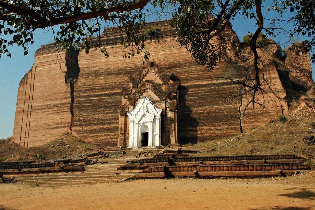 La pagode inachevée de Mingun, Birmanie