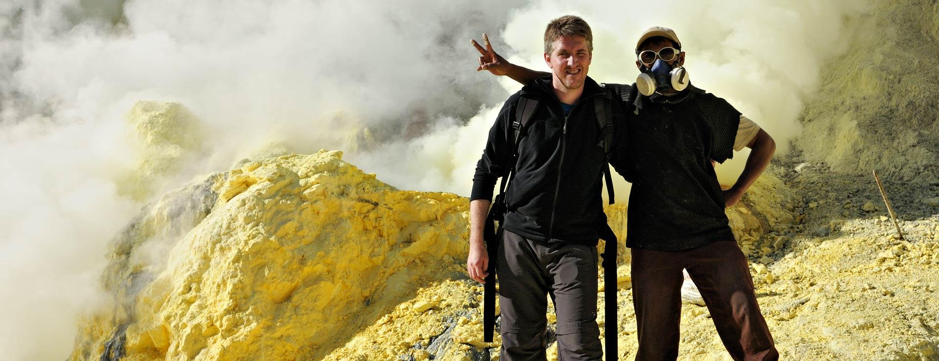 Pascal Boegli sur le volcan Kawah Ijen, Indonésie