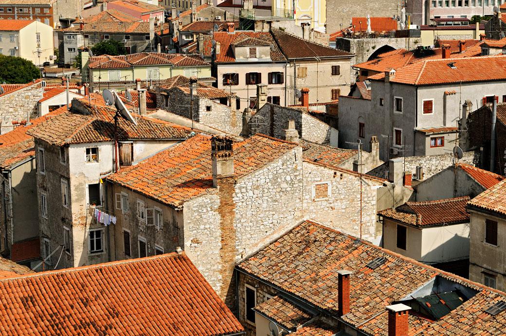 Toits de la vieille ville de Poreč, Croatie