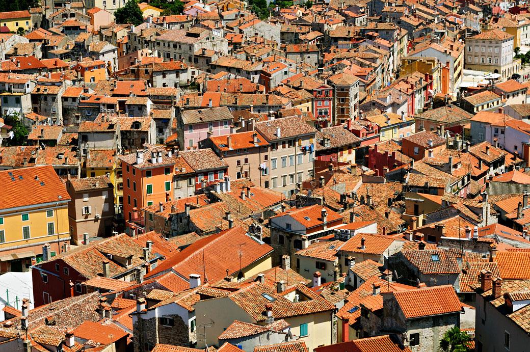 Les toits de Rovinj en Istrie, Croatie