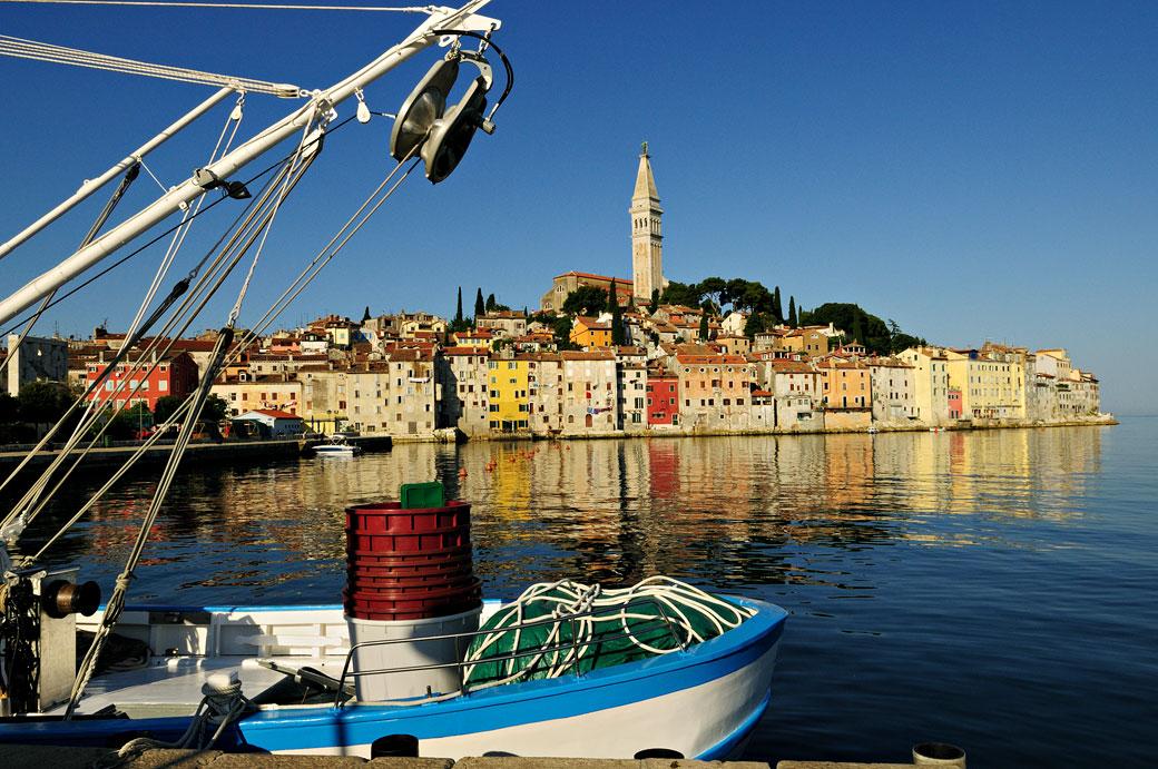 La vieille ville de Rovinj et son campanile, Croatie