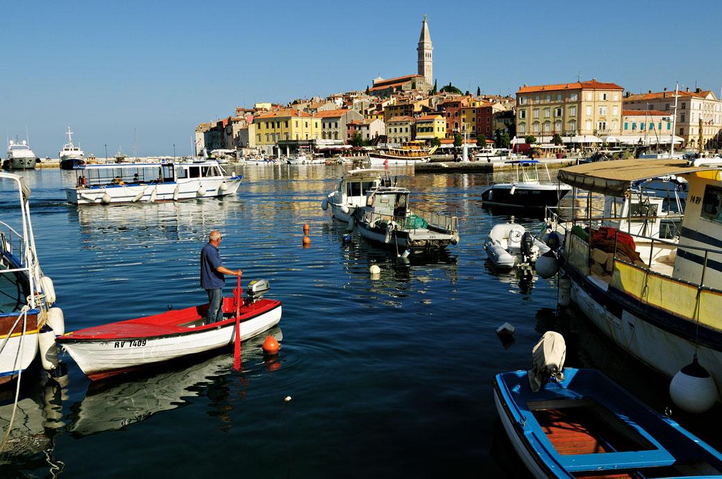 Le port de Rovinj en Istrie, Croatie