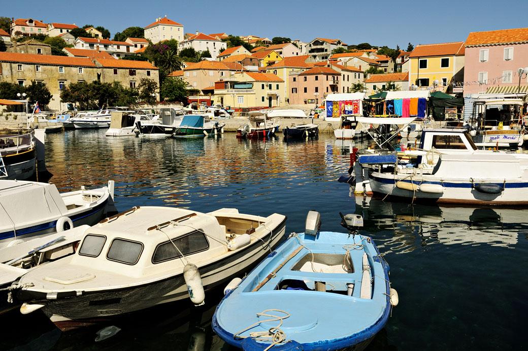Sali et son port à Dugi Otok, Croatie
