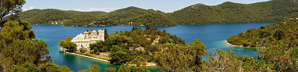 Panorama du monastère des Dominicains à Mljet sur un îlot, Croatie