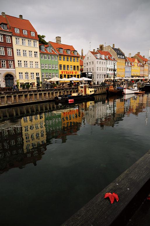 Canal de Nyhavn en automne à Copenhague, Danemark