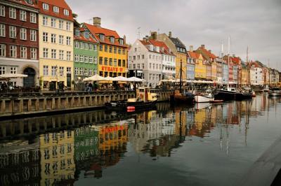 Canal de Nyhavn sous la grisaille d'automne, Danemark